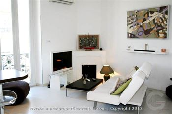 Modern apartment for short term rental ID:381