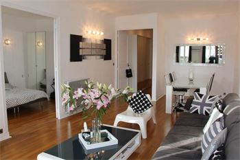 Modern Cannes apartment in front of the Palais des Festivals ID:468